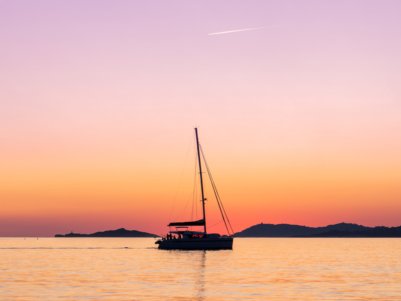 Sunset catamarán